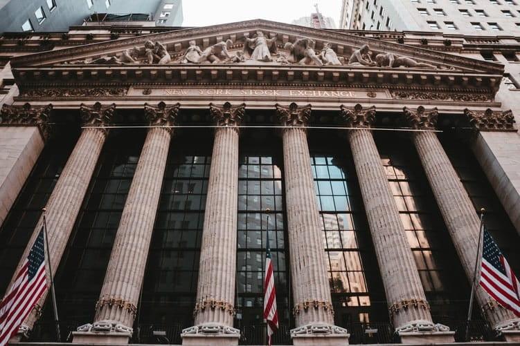 Façade du bâtiment de Wall Street (NYSE) à New York